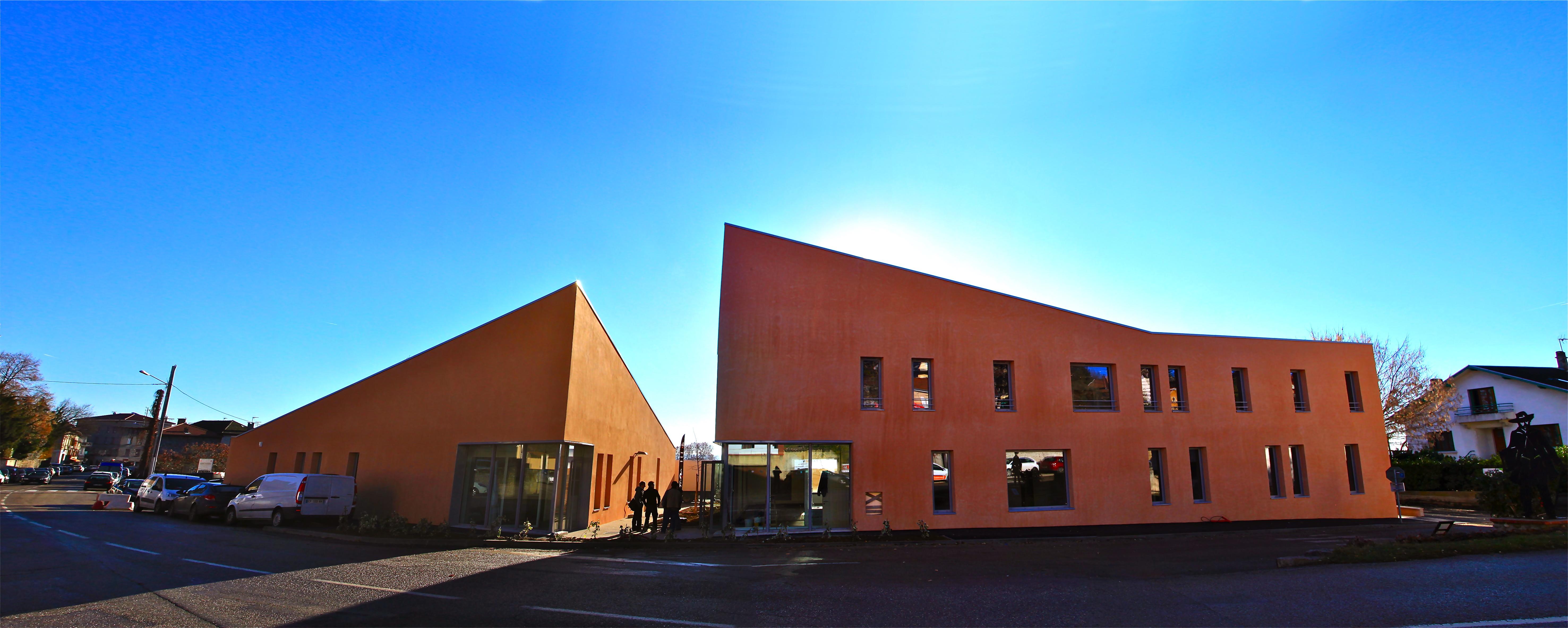 Maison de services au public les espaces d di s de for Piscine la cote st andre